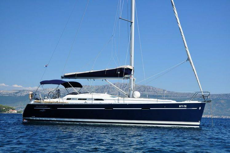 39.0 feet Beneteau in great shape