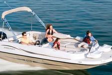 Explore Tampa Bay in the comfort of this 20' Deck boat