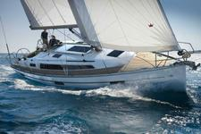 Enjoy luxury and comfort with this Bavaria 45
