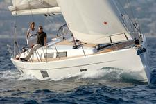 Charter this stunning cruiser and discover Greece