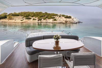 Discover Elliniko surroundings on this 72 Alfamarine boat