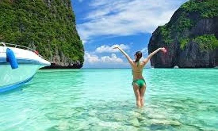 Discover Phuket surroundings on this Power Mega 23m Princess Yachts  boat