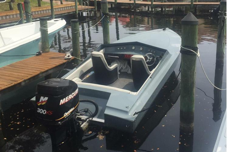 This 22.0' Velocity cand take up to 4 passengers around North Palm Beach