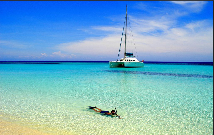 Sail St. Maarten in this amazing Catamaran