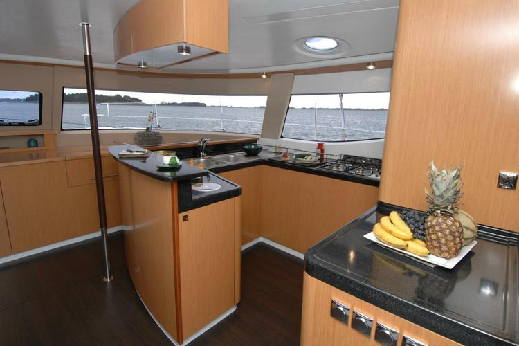 Discover Athens surroundings on this Salina 48 Evolution Fountain Pajot boat