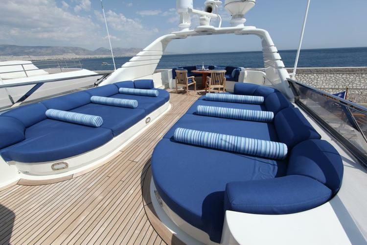 Discover Elliniko surroundings on this Custom Intermarine SPA boat