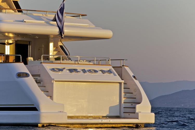 Motor yacht boat for rent in Elliniko