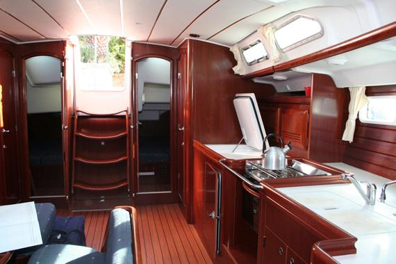 Discover Sant Antoni De Portmany surroundings on this Oceanis 473 Beneteau boat