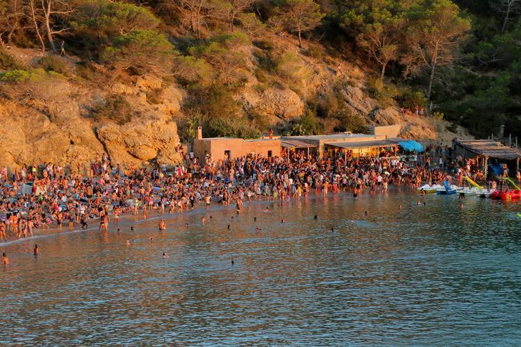 Boat rental in Sant Antoni De Portmany,
