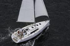 Sail the Bay on this Modern Cruiser