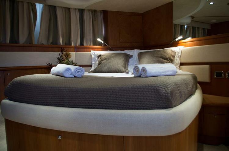 Motor yacht boat rental in Marina Alimos (Kalamaki),