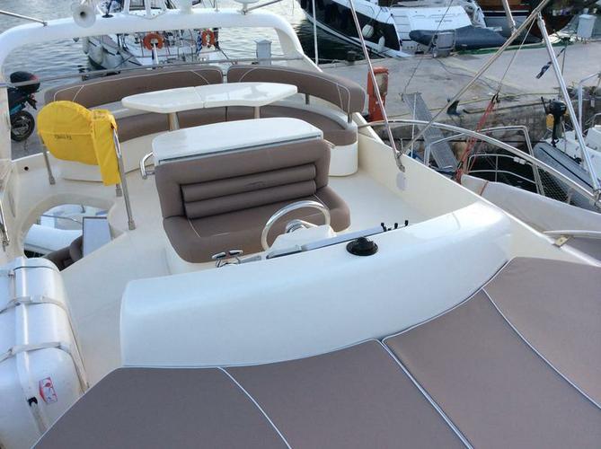 This 57.0' Aicon Yachts cand take up to 6 passengers around Saronic Gulf