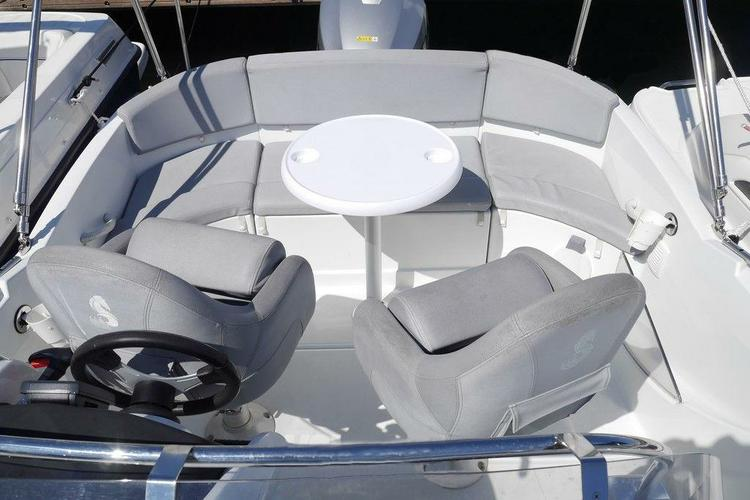 Beneteau boat for rent in Marseille