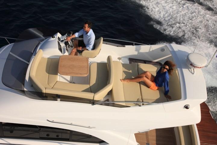 Motor yacht boat rental in Marina Nava, Split,