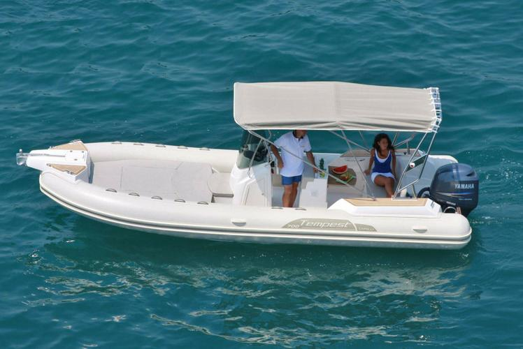 Boat for rent CAPELLI 23.0 feet in Marseille,