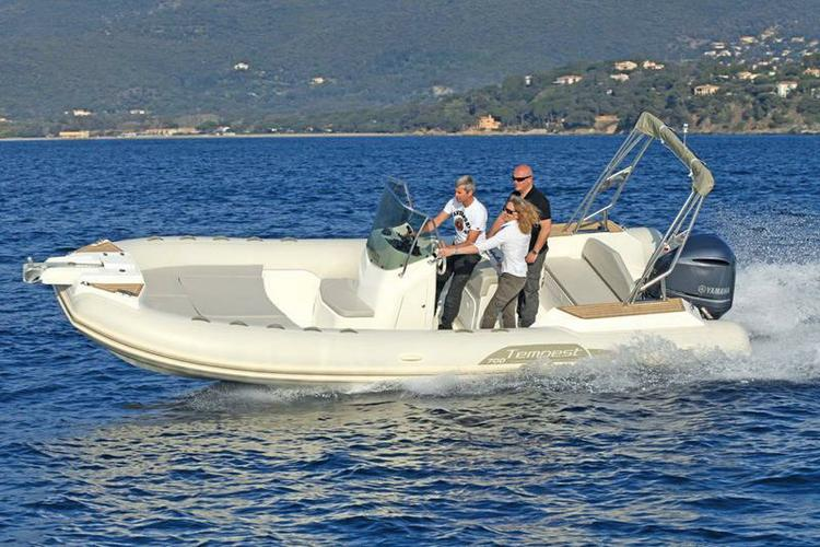 Rigid inflatable boat rental in Marseille,