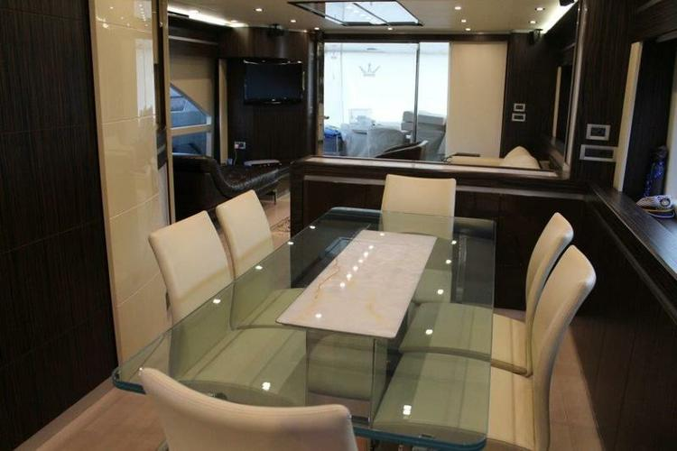 Discover Istra surroundings on this Dominator 780S Deluxe DOMINATOR SHIPYARD boat