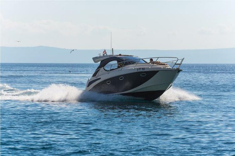 Discover Split region surroundings on this Pearlsea 31 Hard Top Pearl Sea Yachts d.o.o. boat