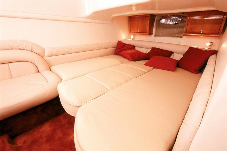 Up to 4 persons can enjoy a ride on this Motor yacht boat