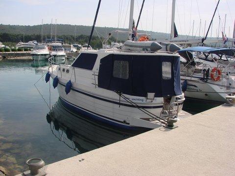 This 35.0' SAS - Vektor cand take up to 7 passengers around Zadar region