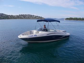 All you need to do is relax while on board our Sea Ray Boats
