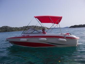 Rent this Tahoe Boats Tahoe Q4 SS for a true nautical adventure