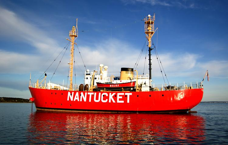 Discover Brooklyn surroundings on this Lightship WLV-612 United States Coast Guard Yard boat