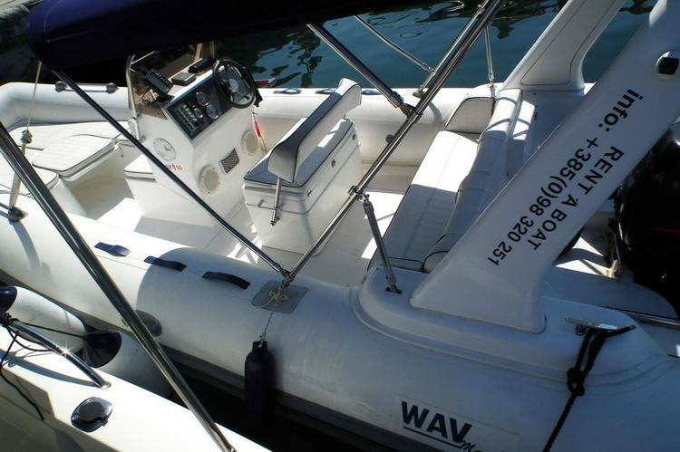 Discover Zadar region surroundings on this TopLine 600 TL Wav Marine boat
