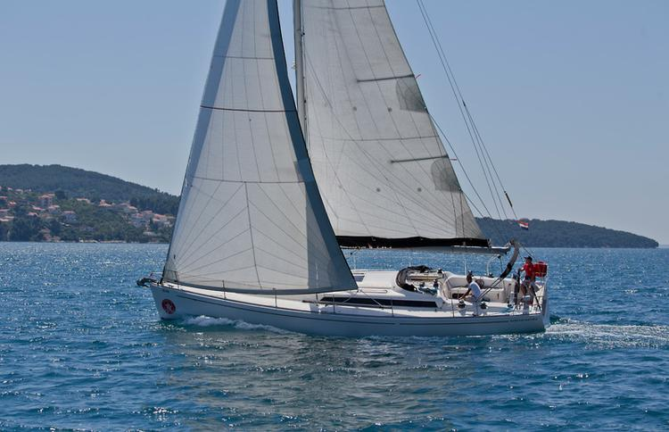 This 44.0' AD Boats cand take up to 10 passengers around Split region