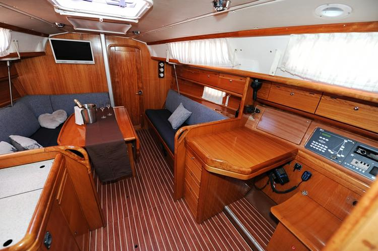 Discover Zadar region surroundings on this Bavaria 34 Cruiser Bavaria Yachtbau boat