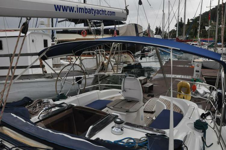 This 37.0' Bavaria Yachtbau cand take up to 8 passengers around Aegean