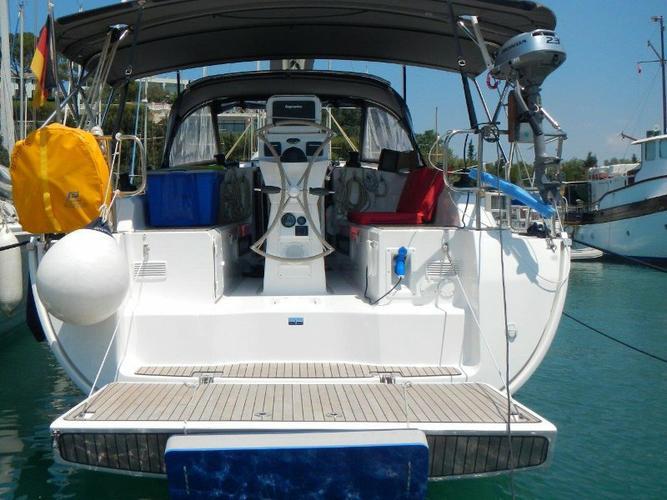 This 37.0' Bavaria Yachtbau cand take up to 6 passengers around Aegean