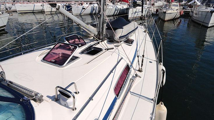 Discover Split region surroundings on this Bavaria 38 Cruiser Bavaria Yachtbau boat