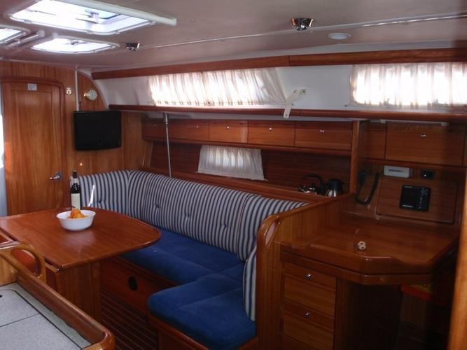 This 38.0' Bavaria Yachtbau cand take up to 8 passengers around Split region