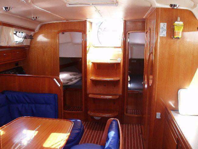 This 39.0' Bavaria Yachtbau cand take up to 8 passengers around Ionian Islands