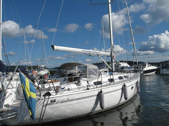 Discover Stockholm County surroundings on this Bavaria Cruiser 40 Bavaria Yachtbau boat