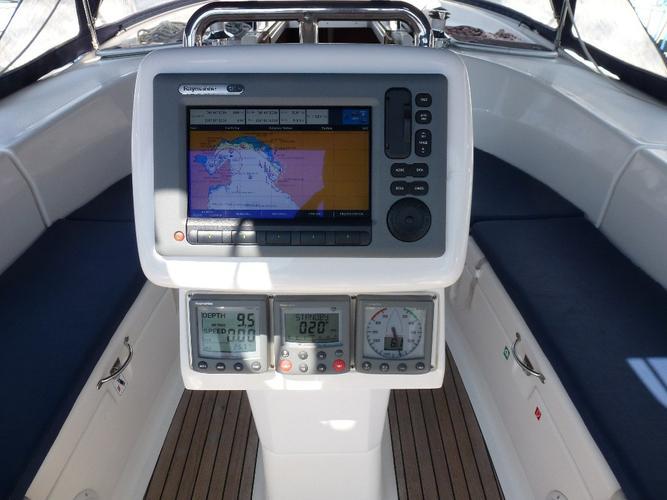 This 40.0' Bavaria Yachtbau cand take up to 6 passengers around Aegean