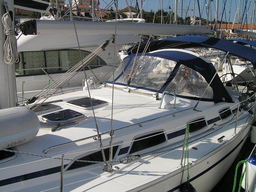 This 40.0' Bavaria Yachtbau cand take up to 8 passengers around Split region