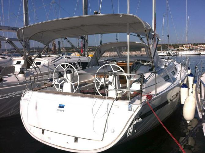 This 40.0' Bavaria Yachtbau cand take up to 7 passengers around Zadar region