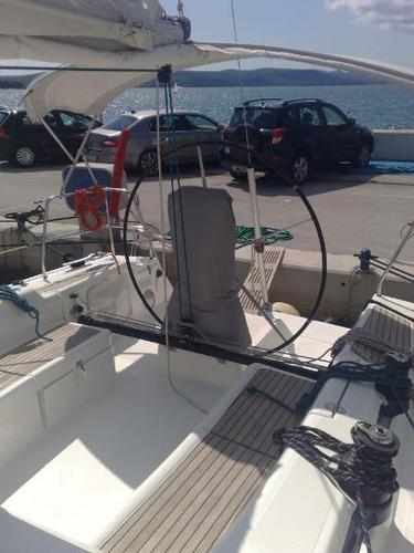 Up to 8 persons can enjoy a ride on this Bavaria Yachtbau boat