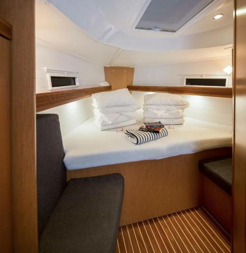 Discover Zadar region surroundings on this Bavaria Cruiser 40 S Bavaria Yachtbau boat