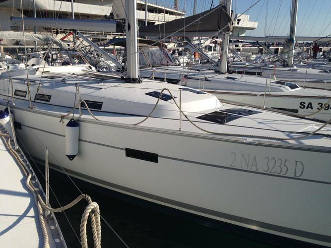 Discover Campania surroundings on this Bavaria Cruiser 45 Bavaria Yachtbau boat