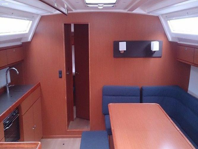 This 46.0' Bavaria Yachtbau cand take up to 10 passengers around Aegean