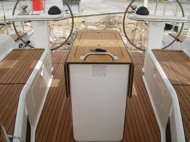 This 46.0' Bavaria Yachtbau cand take up to 10 passengers around Dodecanese