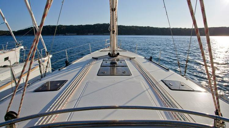 This 46.0' Bavaria Yachtbau cand take up to 9 passengers around Kvarner