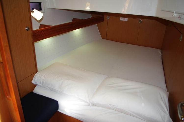 Discover Saronic Gulf surroundings on this Bavaria Cruiser 45 Bavaria Yachtbau boat