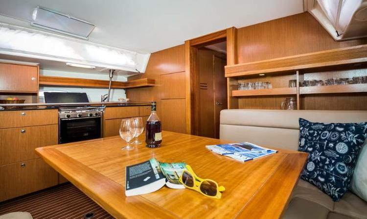 Discover Zadar region surroundings on this Bavaria 47 Cruiser Bavaria Yachtbau boat