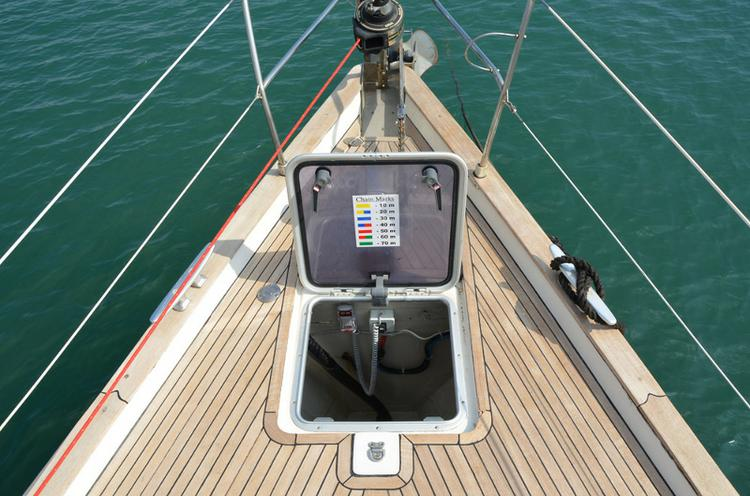 Discover Cyclades surroundings on this Bavaria 47 Bavaria Yachtbau boat