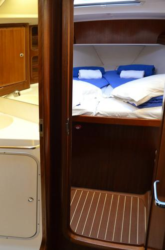Discover Cyclades surroundings on this Bavaria 50 Bavaria Yachtbau boat