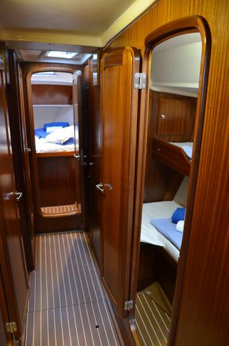 This 50.0' Bavaria Yachtbau cand take up to 10 passengers around Cyclades